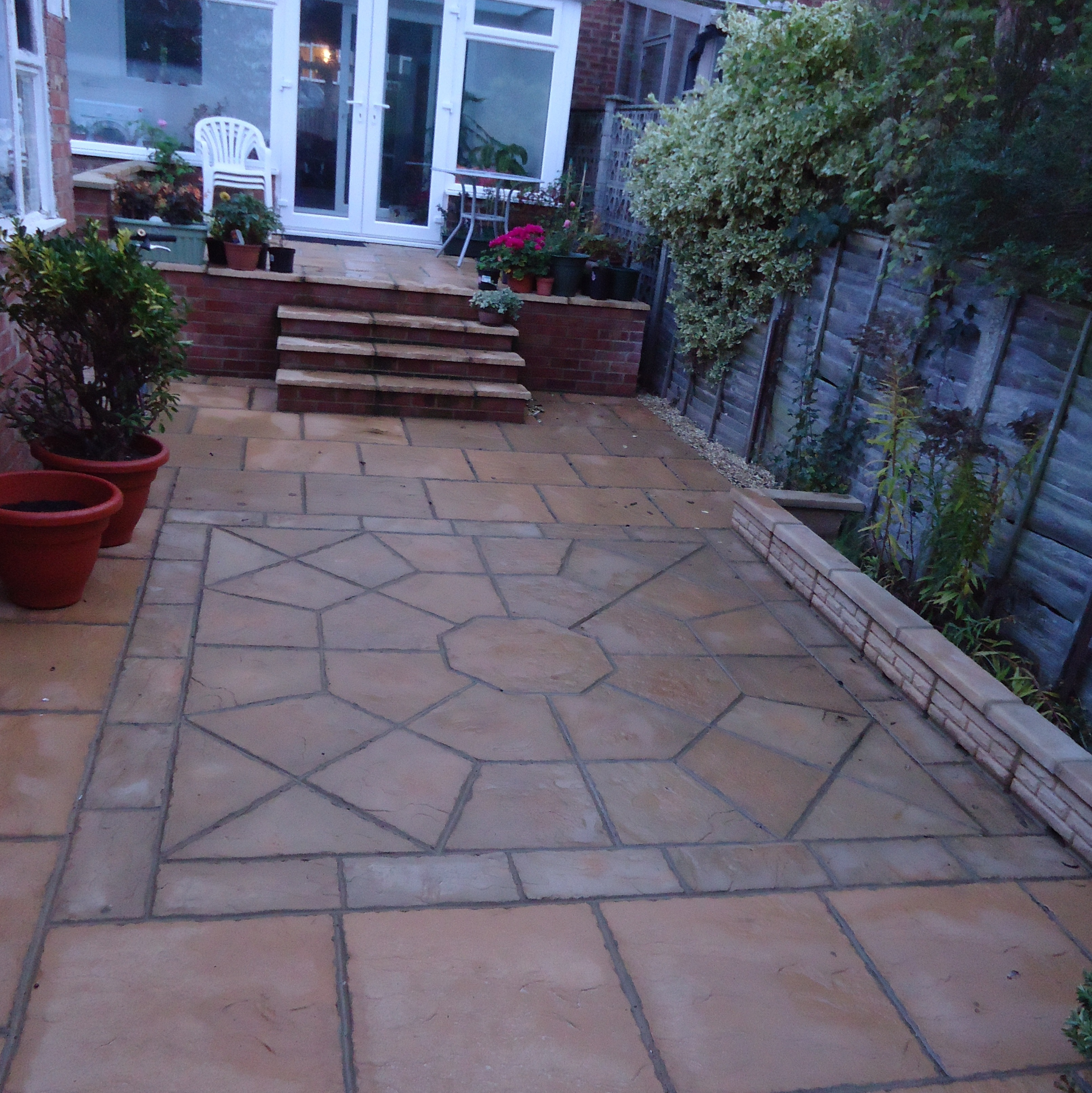 Octagon Feature 2300mm Patio Features Kits Minster Paving