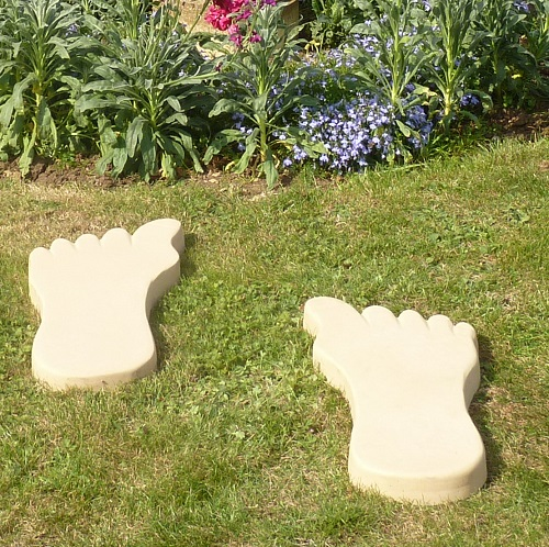 "Foot Stepping Stones <span class=""PrtPrice"">£7.20</span>"