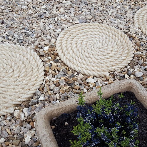 "ROPE STEPPING STONES <span class=""PrtPrice"">£4.95</span>"